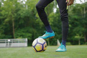 De Voetbalschoenen Expert helpt jou verder